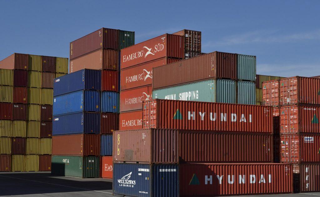 Giá cước lại tăng cao vì tình trạng thiếu container tiếp tục kéo dài